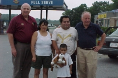 07-26-00 Gomez family with Bob Cassidy & Barry Friedman