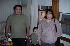 08-13-00 Gomez family on the eve of Jonathan's operation