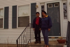 Lester & mother in front of Susan's home in Billerica.3